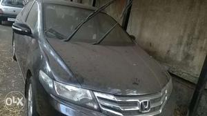 Honda city v mt with sunroof  first owner 45km runing