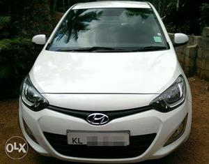 Hyundai i20 ASTA diesel full option location calicut
