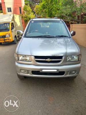 tavera lt silver color second owner | Cozot Cars