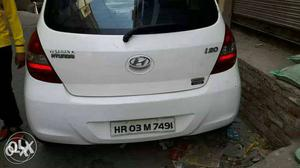 ** i want selling Hyundai I Asta top model Diesel 1st