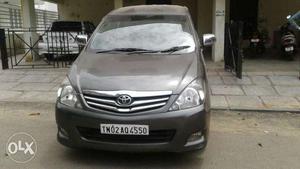 Toyota Innova 2.5 V 8 Str, , Diesel