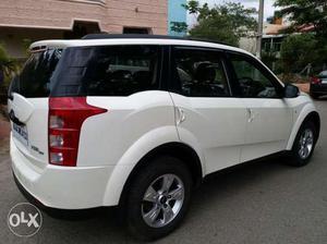 Mahindra XUV500 W
