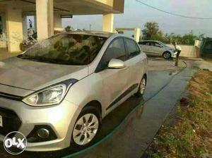 Hyundai Xcent kimat Rs. pen amuk ropish kes baki EMI