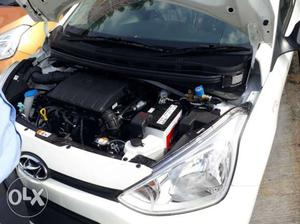 Hyundai Xcent cng 100 Kms  year
