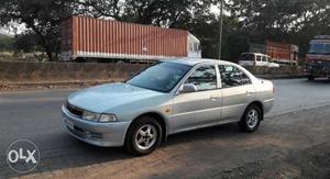 Mitsubishi Lancer cng  Kms