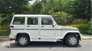 Mahindra Bolero white SLX 2WD 7SEATER model DIESEL