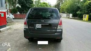 Used  Toyota Innova 2.5 GX 8 STR BS-IV in Lucknow