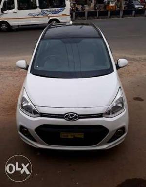 Hyundai Grand I 10 sportZ Dual Tone petrol  Kms