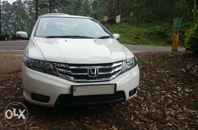 Honda City white  VMT