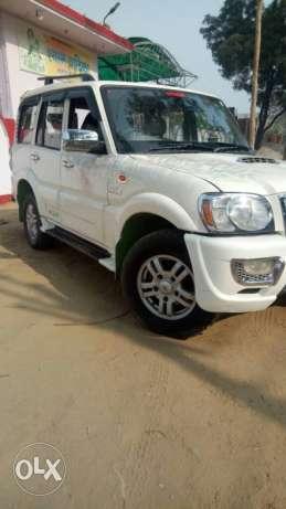 M hawk Scorpio VLX diesel  Kms