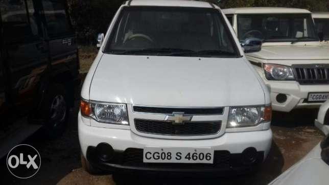 Milky White Chevrolet Tavera Neo Ls B3 7 Seats Bsiii Cozot Cars