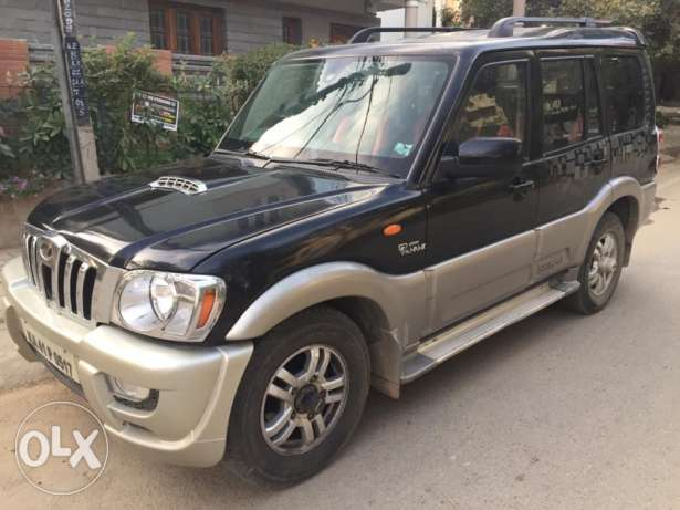 4WD Mahindra Scorpio VLX