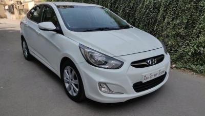 Hyundai Verna Fluidic 16 CRDi SX - Agra
